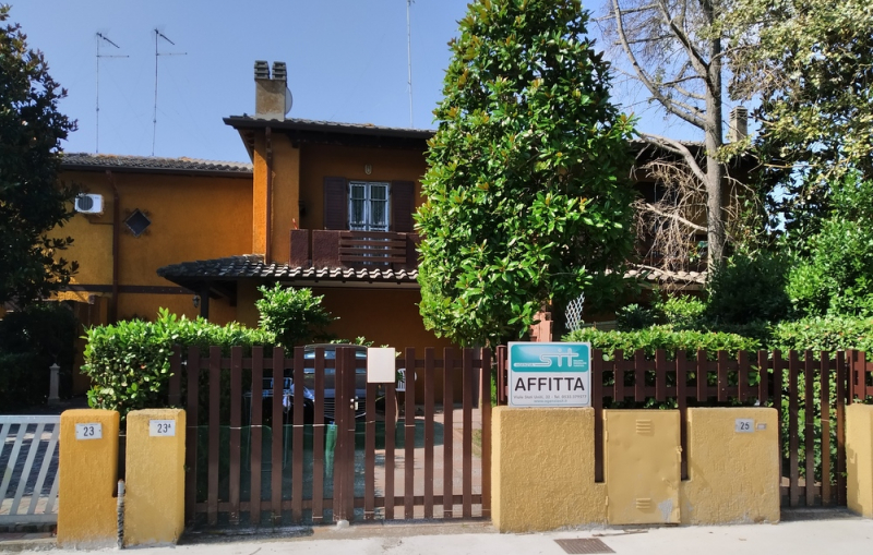 STATI UNITI 25: For rent holiday home with garden on the beaches of Emilia Romagna