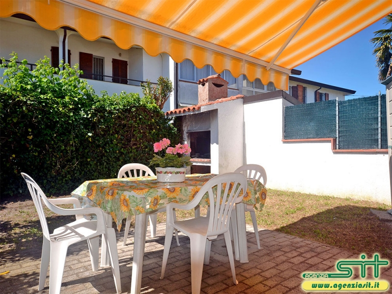PANAMA 35: Rent renovated holiday home with garden in Adriatic sea Italy