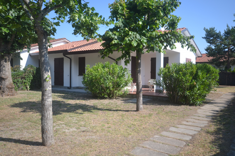 COLOMBIA 83: Adriatic sea, for rent villa with very large garden for a pet friendly holiday